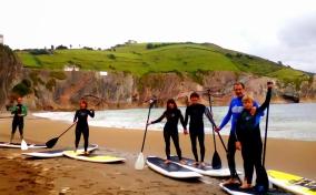 Itzurun (SUP). Flysch Surf Escuela Zumaia